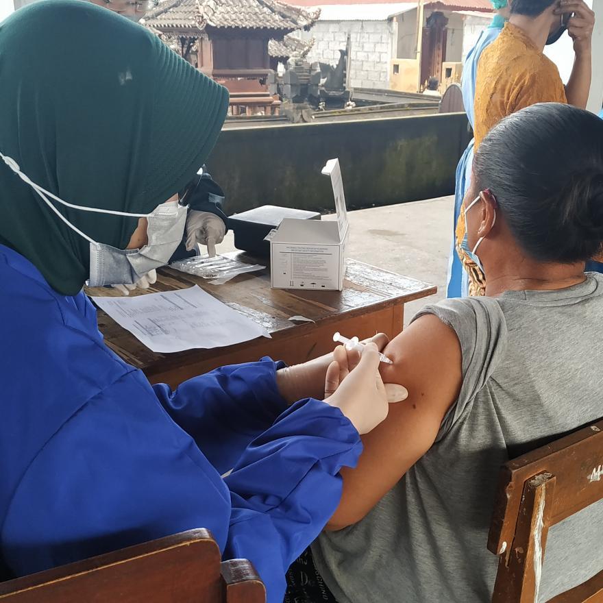 Gerakan Vaksin Serentak Di Desa Batukaang